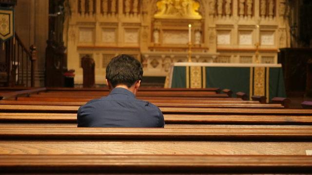 La síntoma del descenso del Hijo del Hombre:  la desolación de la iglesia