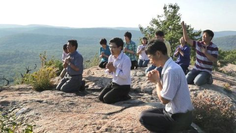 buscando a dios en oracion